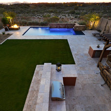 Modern Landscape by Sonoran Landesign