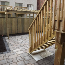 Traditional Patio by Paradise views landscaping