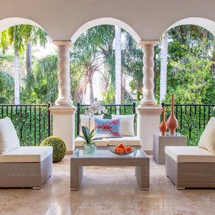 Patio - small modern patio idea in Miami