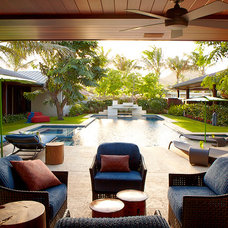 Tropical Patio by Gast Architects