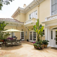 mediterranean patio by mark pinkerton  - vi360 photography
