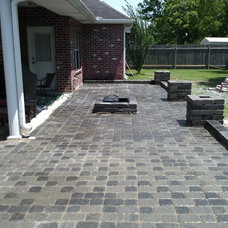 Traditional Patio by NOLA Landscape