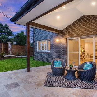 Design ideas for a contemporary patio in Sydney.