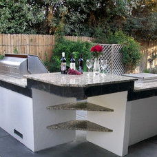 Transitional Patio by Pacific Construction Services, Inc.
