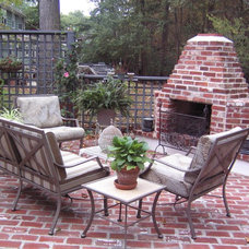Traditional Patio by EASYdesigns
