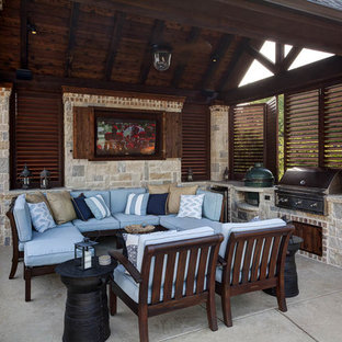 Inspiration for a transitional patio remodel in Dallas
