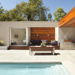 modern patio by Dumican Mosey Architects