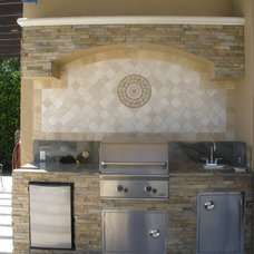 Mediterranean Patio by WALL2WALLDESIGN INC.