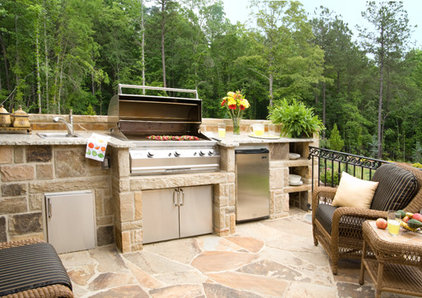 Traditional Patio by John Bynum