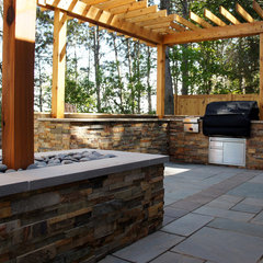 modern patio by revi DESIGN