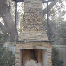 Patio by Cascade Outdoor Design