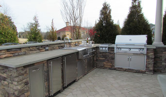 Outdoor Kitchen and Living
