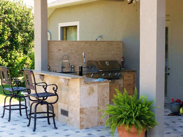 Traditional Patio by RFL INC
