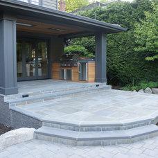 Contemporary Patio Outdoor Kitchen