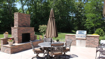 Outdoor kitchen/living areas