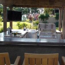 Modern Patio by Kalamazoo Outdoor Gourmet