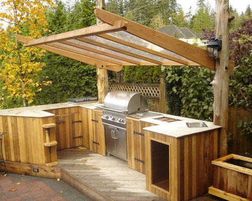 Patio Kitchen   Traditional Patio Kitchen Idea In Vancouver