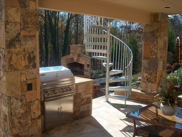Patio by ARNOLD Masonry and Landscape