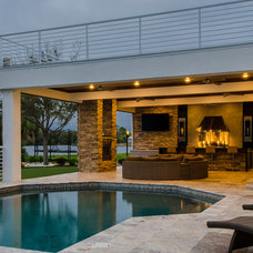 Contemporary Pool by Lindross Remodeling
