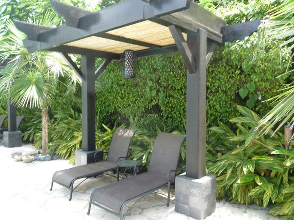 Tropical Patio by Outdoor Living