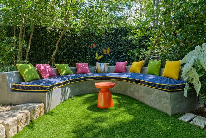 Eclectic Patio by Harold Leidner Landscape Architects