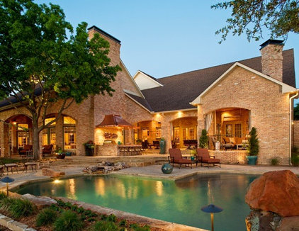 Traditional Patio by Dallas Renovation Group