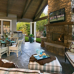 traditional patio by Pahlisch Homes, Inc.