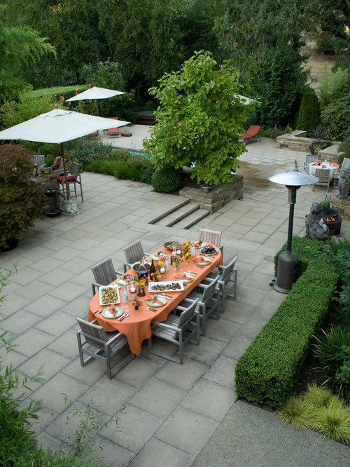 Example Of A Large Minimalist Backyard Patio Design In San Francisco With A  Fire Pit