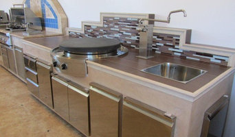 Outdoor patio store kitchen space