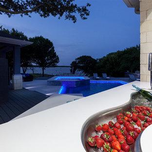 Diseño de patio contemporáneo, grande, en patio trasero y anexo de casas, con cocina exterior y adoquines de hormigón