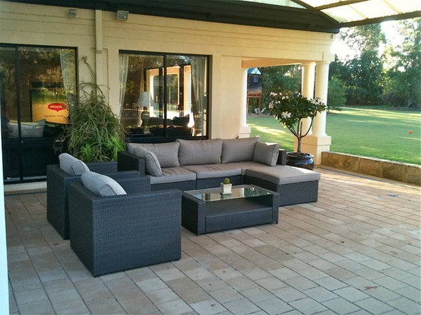 Modern Patio Outdoor setting