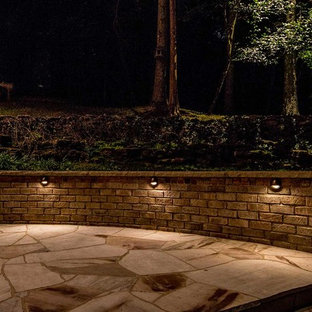 Example of a transitional patio design in Nashville