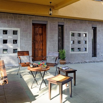 'Outside-In' Courtyard House