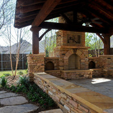 Traditional Patio by Weisz Selection Lawn & Landscape Services, Inc.