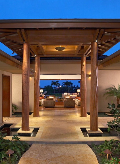 Tropical Patio by Ownby Design