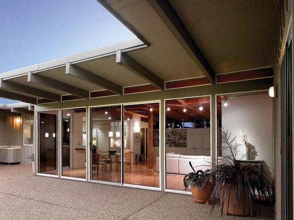 Midcentury Patio by HartmanBaldwin Design/Build