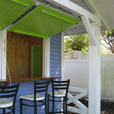 Tropical Patio by Historic Shed