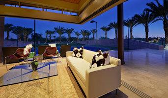 Palm Lake Oasis