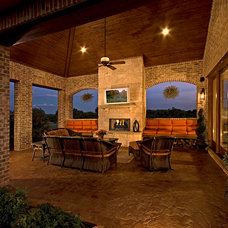 Traditional Patio by Scarlett Custom Homes & Remodeling