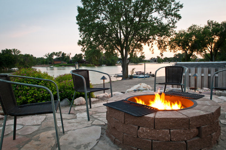 Contemporary Landscape by Sun Valley Landscaping
