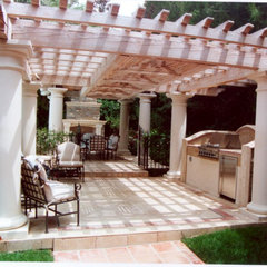 traditional patio by James Dean Design