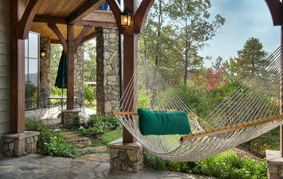 Pick the Right Hammock for Summer Lounging