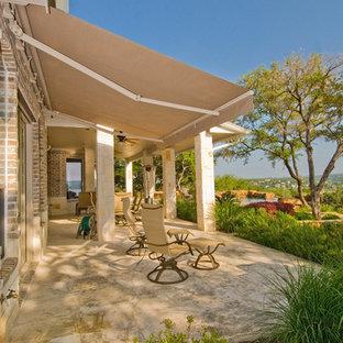 Foto di un patio o portico classico