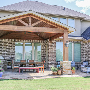 Patio Cover and Kitchen on the Lake: Fulshear, TX