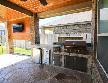 Patio Cover and Outdoor Kitchen: Cypress, TX