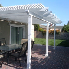 Traditional Patio by Pagenkopp Construction Company