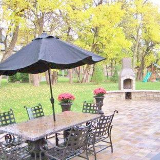 Immagine di un patio o portico tradizionale di medie dimensioni