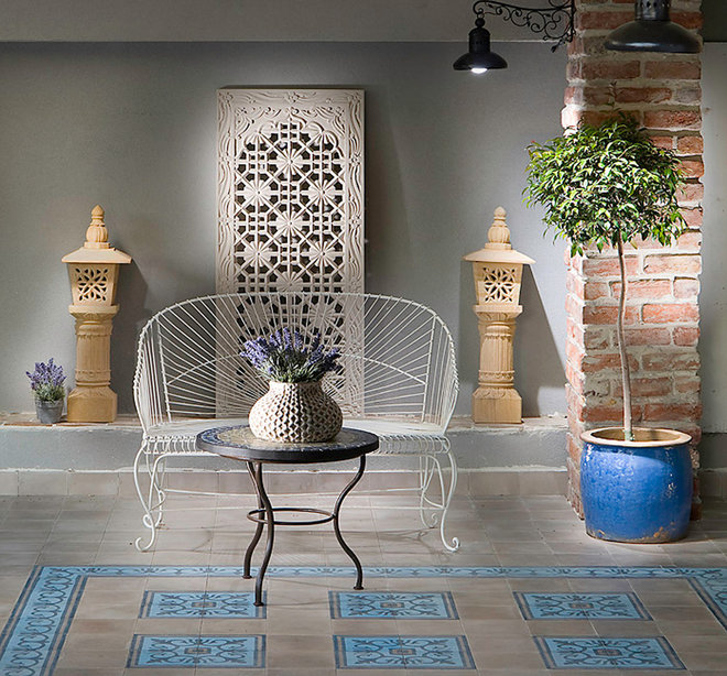 eclectic patio by Elad Gonen