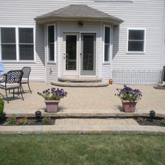 traditional patio Patio