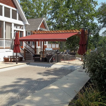 PATIO RETRACTABLE AWNINGS